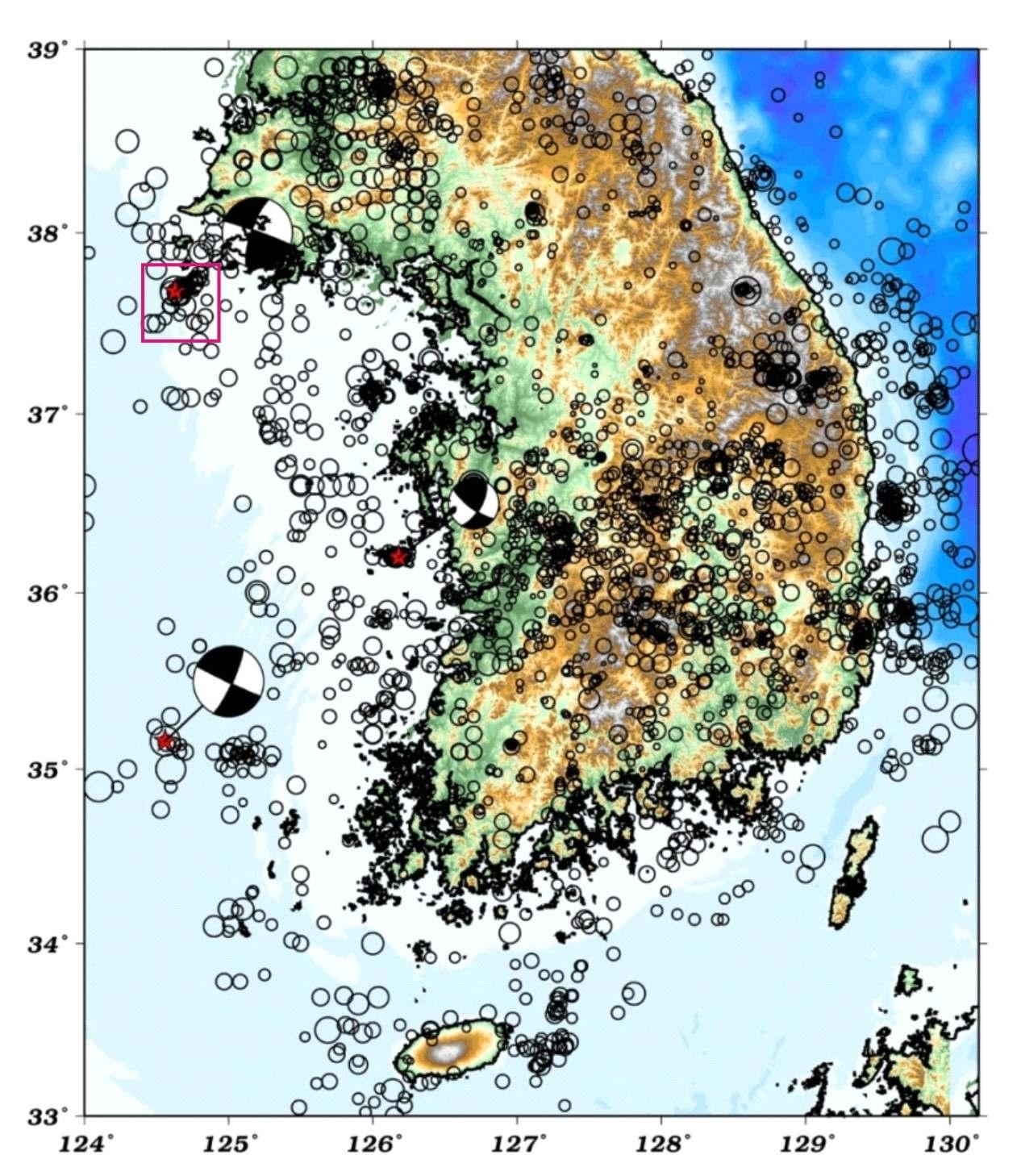 서해에서 발생한 지진분포와 탄성파 탐사를 수행할 백령도 해역