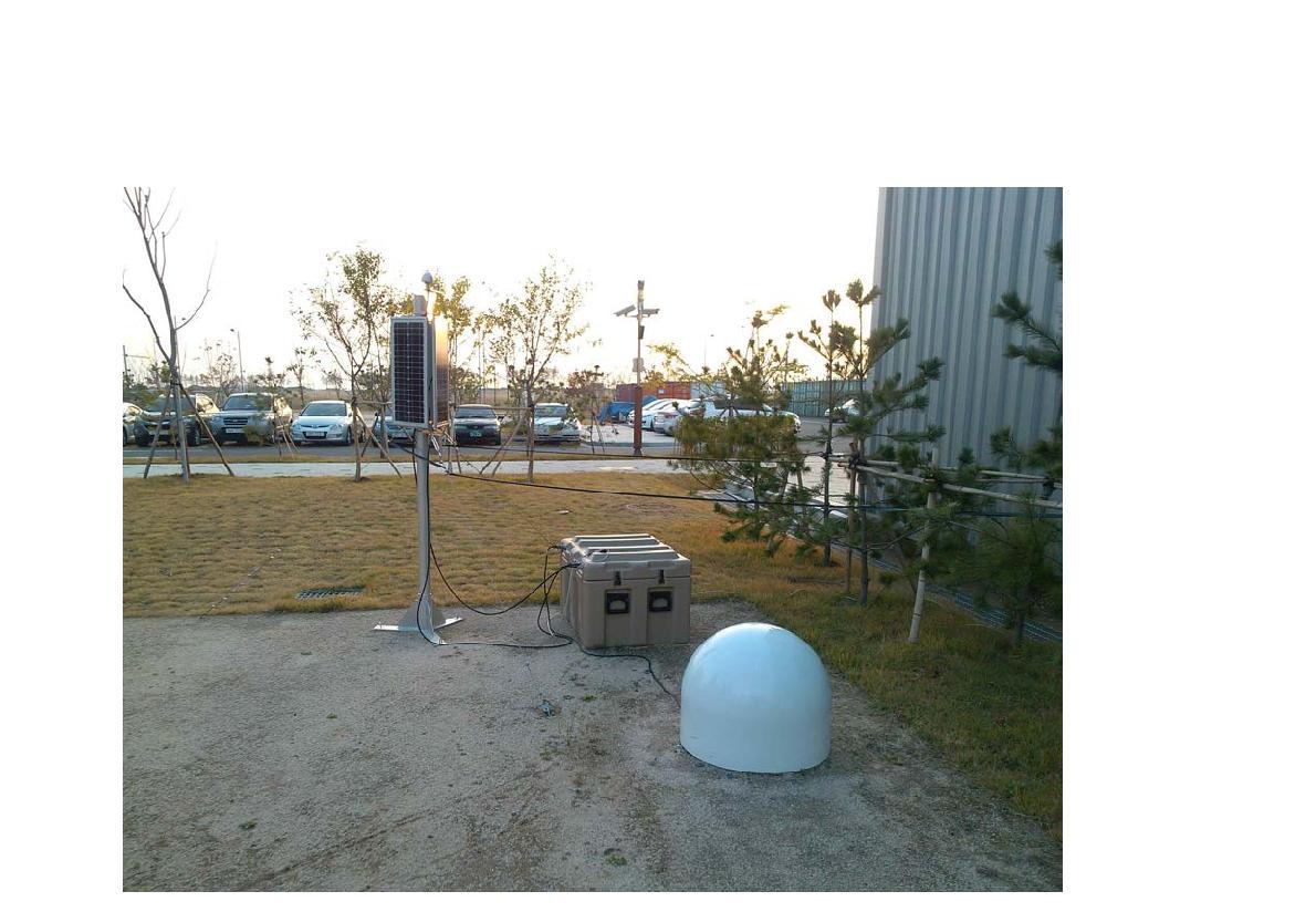 실제 극지연구소 내에서 시험적으로 운영되고 있는 독립전원 임시 지진관측망.
