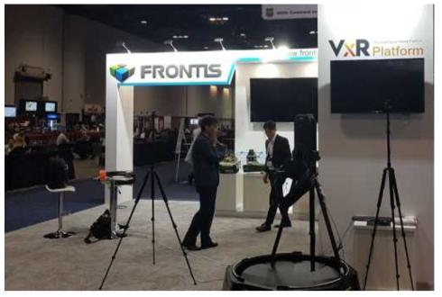 부스 및 VR 체험을 위한 트레드밀 (Frontis社)