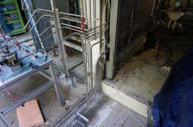 스탠드와 연결되는 각종 배관 (1)